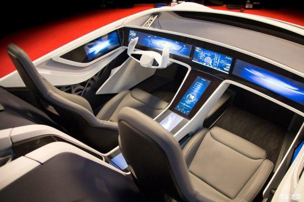 更快的开机和倒车影像时间     智能驾驶舱的概念,意味着汽车人车